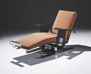 Lounge-Chair-on-Skis-by-Emile-Jacques-Ruhlmann