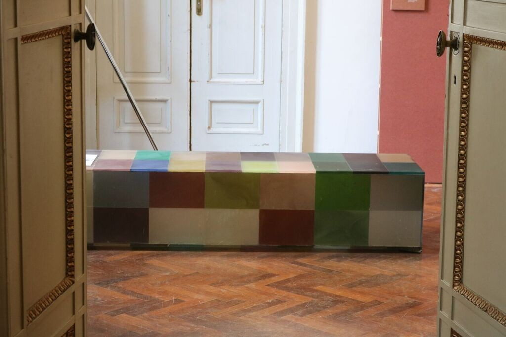 Prototype of InStock glass table