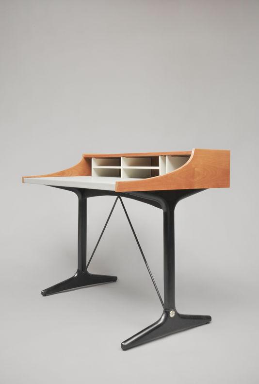 Bureau de Dame, C193, Edition Thonet. 1959. Galerie Pascal Cusinier