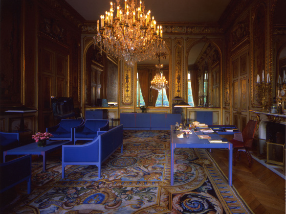 Presient Mitterand's office at the Elysées Palace, designed by Pierre Paulin.